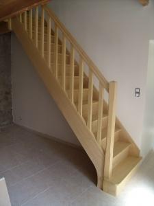 Escalier droit avec contremarches